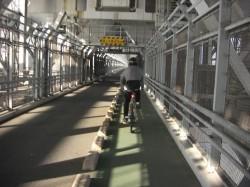 一橋、超えれば因島です。橋の上を快調に走る