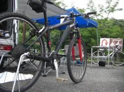 休息するマウンテンバイク