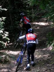 グリーンピア三木XCコース激しい登りに思わず足を付けた