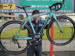 Bianchi CICLOCROSS AXIS 登場!!